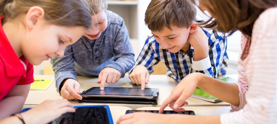 Tableta Apple care schimba regulile educatiei